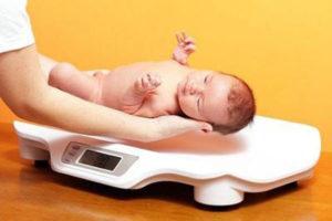 На сколько важно знать норму прибавки веса для новорожденных?