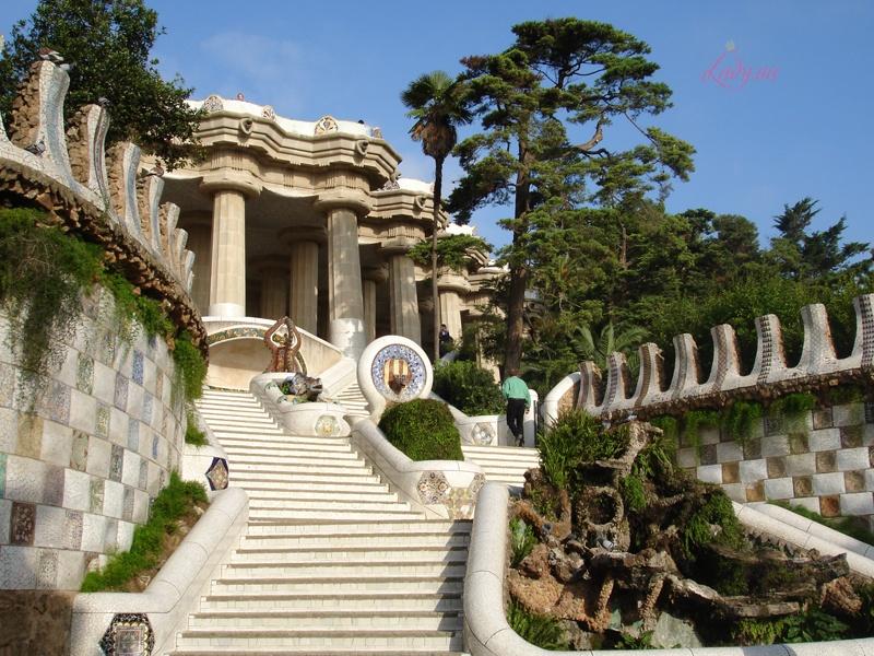 Park-Guel-Barselona-Ispaniya_full