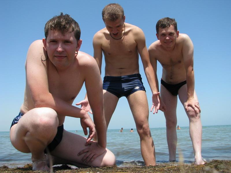 Как познакомиться с парнем на пляже?